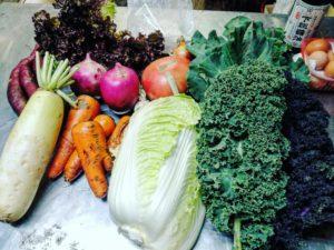 みんなで畑の野菜を使ったランチ作り!