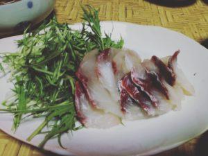 漁師の獲った魚をさばいた刺身