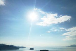 熊本県葦北町の御立岬公園から見下ろす海