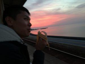 日本一海に近い駅、下灘駅